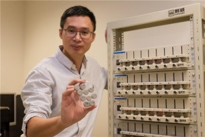 Associate professor Chen holding the ultra-fast rechargeable batteries. Image courtesy of Nanyang Technological University