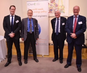 能源中心理事会和咨询小组成员(L-R):尼尔·麦克道威尔;科林·普里查德;杰夫•梅特兰;和保罗史密斯