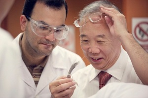 Professor Neal Tai-Shung Chung examining his medal-winning research